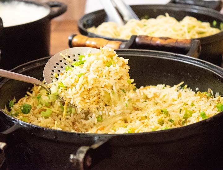 culinaria-do-centro-oeste-arroz-com-pequi